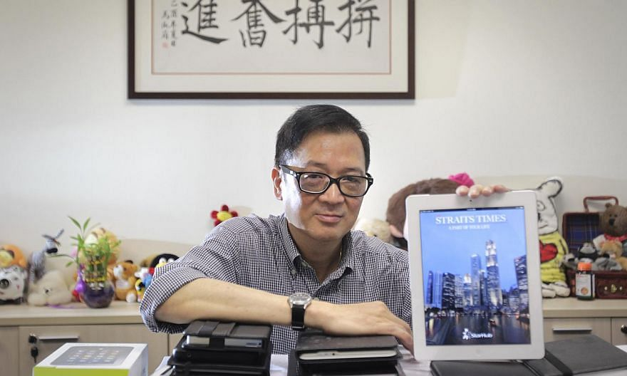 The Straits Times' former Deputy Editor Felix Soh died from pneumonia at home on Sunday morning. -- ST PHOTO: KEVIN LIM
