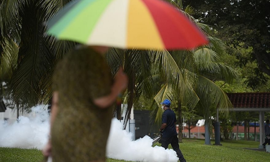 Fogging operation near Block 409 Bedok North Avenue 2 on Thursday. Zika infection does not pose a risk of birth defects for future pregnancies, if it is more than two months after the woman has recovered from Zika.