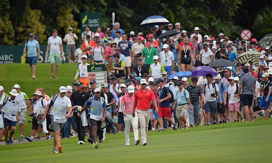A large crowd following world No. 7 Adam Scott of Australia, a three-time Singapore Open champion, as he walked towards the eighth green during the final round last month.