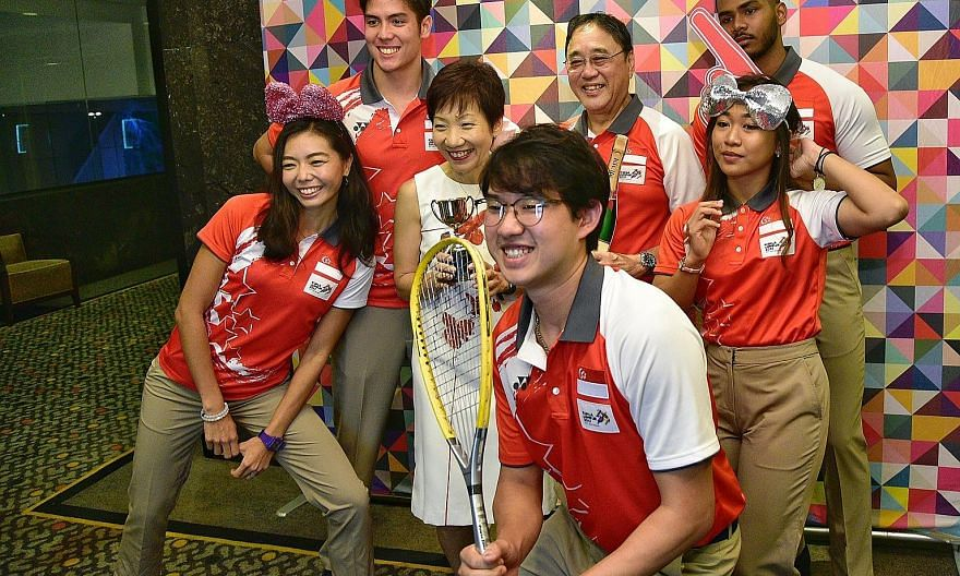 From left: National athletes Michelle Sng (athletics), Mark Leong (water skiing), Minister for Culture, Community and Youth Grace Fu, Jaris Goh (bowling), Singapore's chef de mission for the Kuala Lumpur Games Milan Kwee, Nurzuhairah Yazid and Sheik