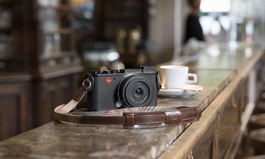 The Leica CL works with any of Leica's existing L-mount lenses and has a 24.2-megapixel image sensor and Maestro II image processor. Image quality is superb, with sharp rendition of pixels, vivid colours and clear details even in darker areas.