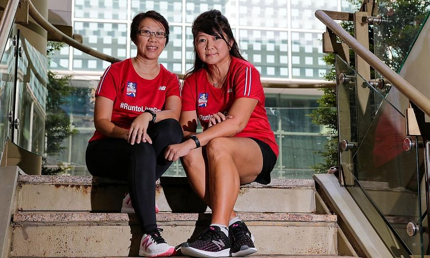 Jeanie Tok (far left) and Josephine Oei admired the stoic way Irene Lee (above) trained for and participated in last year's Great Eastern Women's Run despite suffering from Stage 3 ovarian cancer. Lee died on April 20. ST PHOTO: JEREMY KWAN