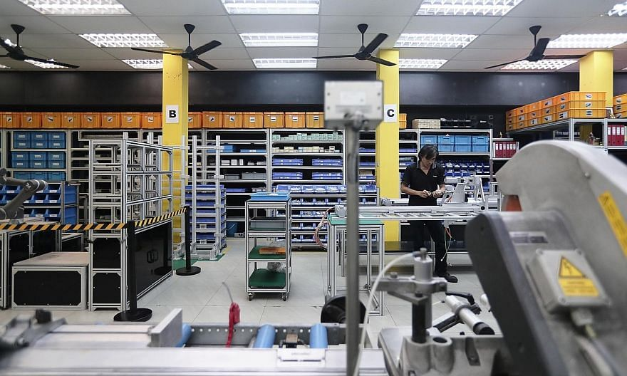 The Ministry of Trade and Industry and private-sector economists have tipped a faster pace of expansion for Singapore next year, buoyed by a potential recovery in the manufacturing sector.