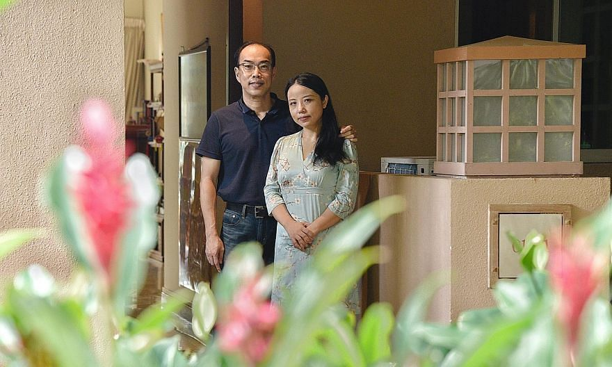 Madam Laura He, who hails from China's Sichuan province but is now a Singapore citizen, and her Singaporean husband Koh Chin Yee are behind media platform Xinjiapo Yan. She started writing about Singapore on Weibo, China's version of Twitter, in 2011