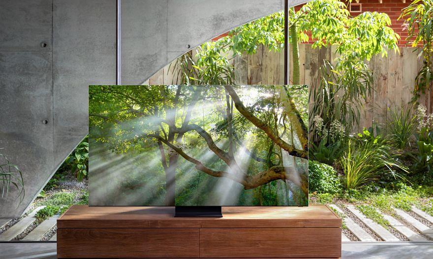 A 2mm bezel lines the perimeter of the Samsung Q950TS smart TV's 8K quantum dot display.