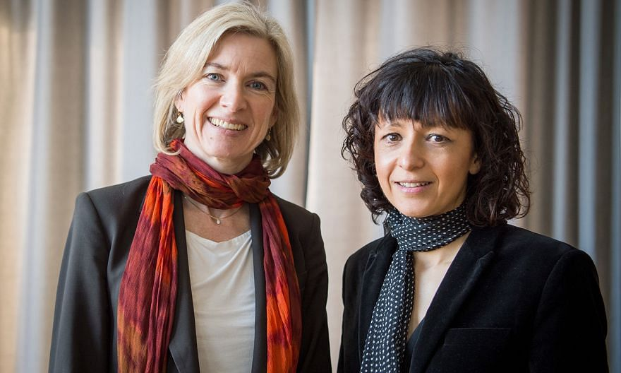 """Scientists Jennifer Doudna (left) and Emmanuelle Charpentier created genetic """"scissors"""" that can contribute to new cancer therapies."""