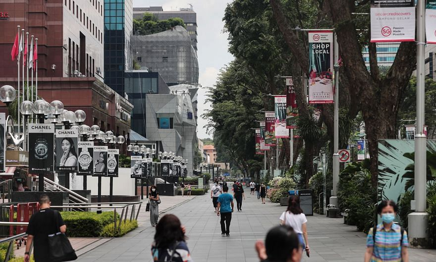 Gross rents for prime retail spaces in the Orchard Road shopping belt fell 11 per cent in the third quarter as stores continued to struggle with the absence of international tourists, Knight Frank noted.