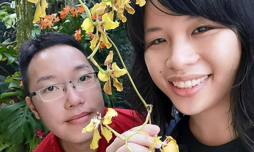 In August 2015, Ms Amy Tay's then boyfriend Tan Si-Rong proposed to her while on a flight to Australia. PHOTO: COURTESY OF AMY TAY Mr Nicholas Lim and his girlfriend Eleanor Teo will be boarding a plane for the first time together on Oct 25. PHOTO: C