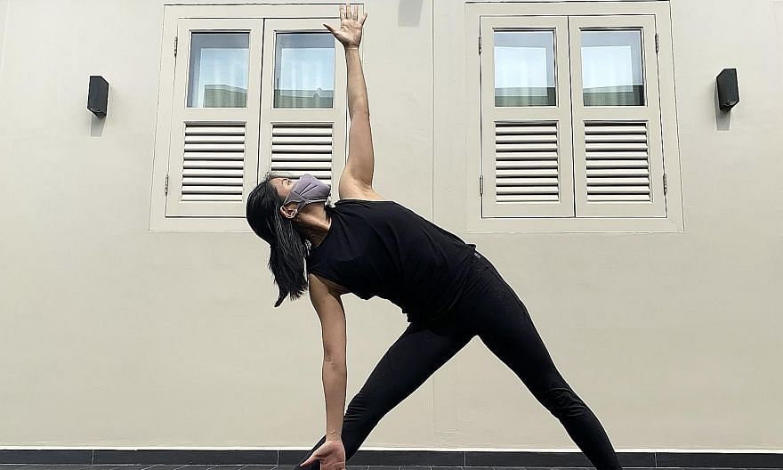 Breathing comes easy for writer Clara Lock when wearing the Under Armour Sportsmask for a low-impact outdoor yoga class.