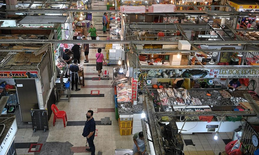 The Ministry of Health yesterday announced one locally transmitted case - a 60-year-old woman who works at Tekka Market. ST PHOTO: KUA CHEE SIONG