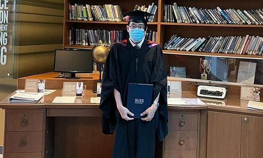 Traditional Chinese medicine physician Aw Yong Keong Poh graduated with a bachelor's degree in Chinese language and literature from the Singapore University of Social Sciences on May 4. PHOTO: COURTESY OF AW YONG KEONG POH