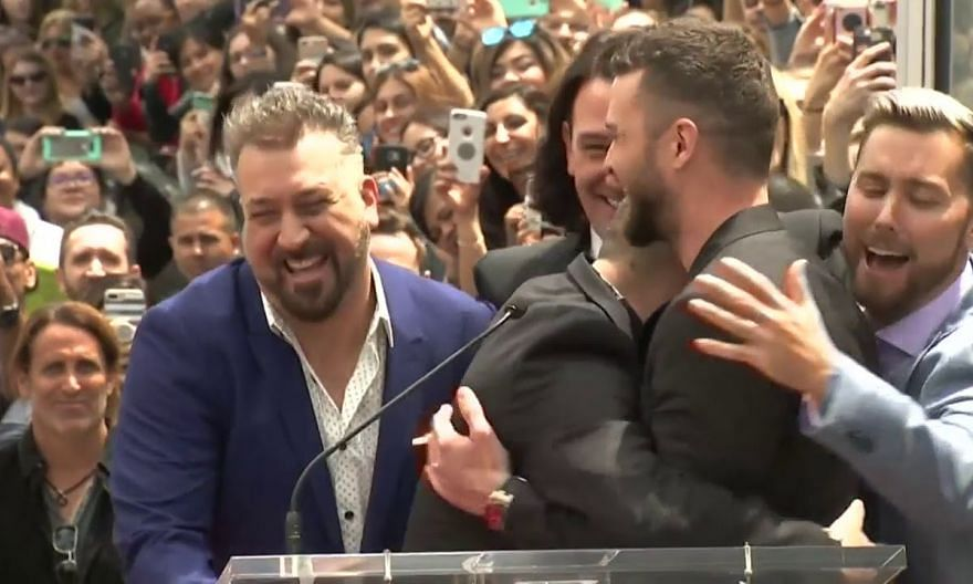 Thousands turn out in Hollywood for boy band 'Nsync