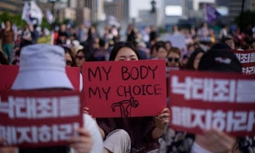South Korea to legalise abortion in landmark ruling