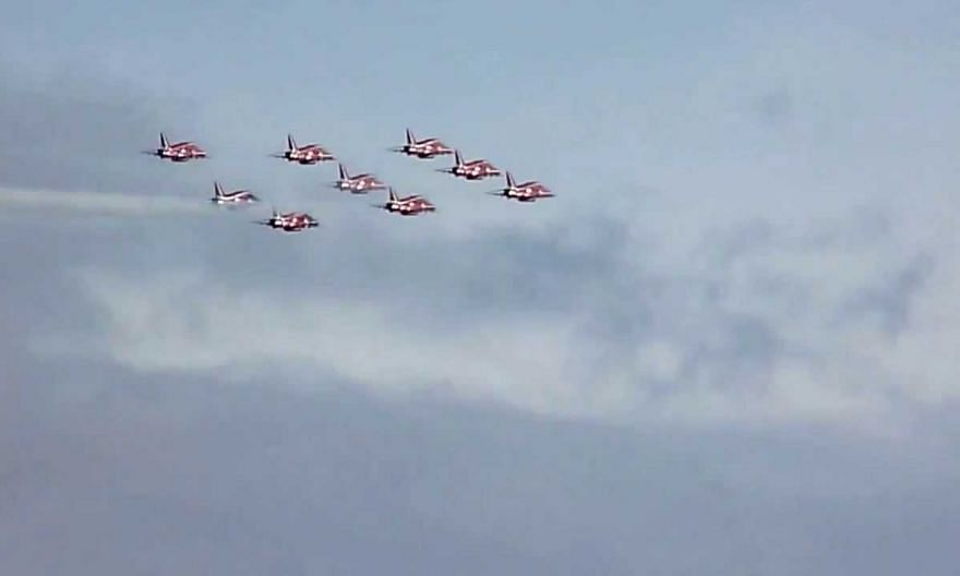 Duxford Airshow 2013 Red Arrows Diamond 9 formation