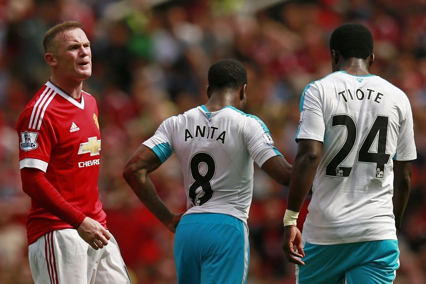 Manchester United's Wayne Rooney reacts after he has a penalty appeal turned down.