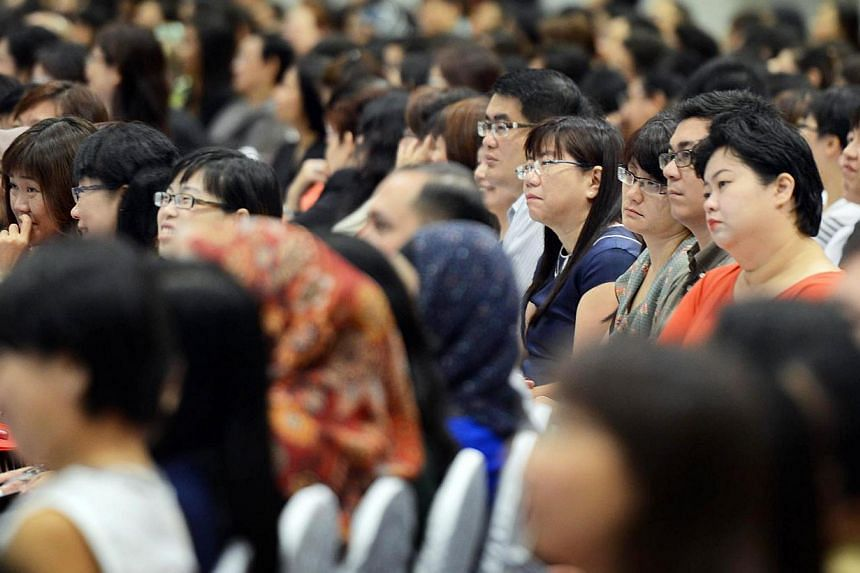 Education Ministry organises its first Primary School Education Seminar for over 2,000 primary school teachers. Primary school years are an important part of the education journey, and designing lessons and activities for children at this age must he