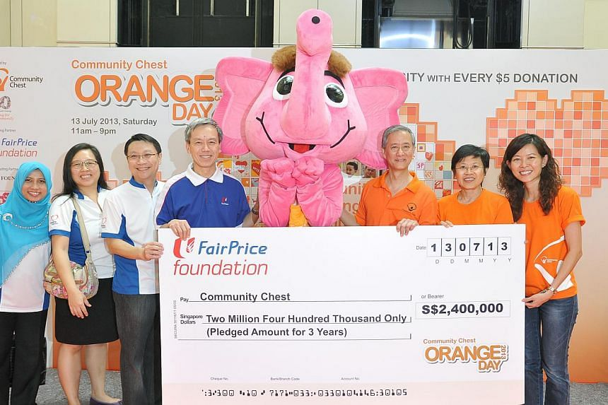 (From left) Ms Roshida Bte Jamari, Manager (Special Projects) of NTUC FairPrice Foundation, Ms Angeline Kwong, Manager (Sponsorship) of NTUC FairPrice Foundation, Mr Jonas Kor, Assistant General Manager of NTUC FairPrice Foundation, Mr Tan Kian Chew,