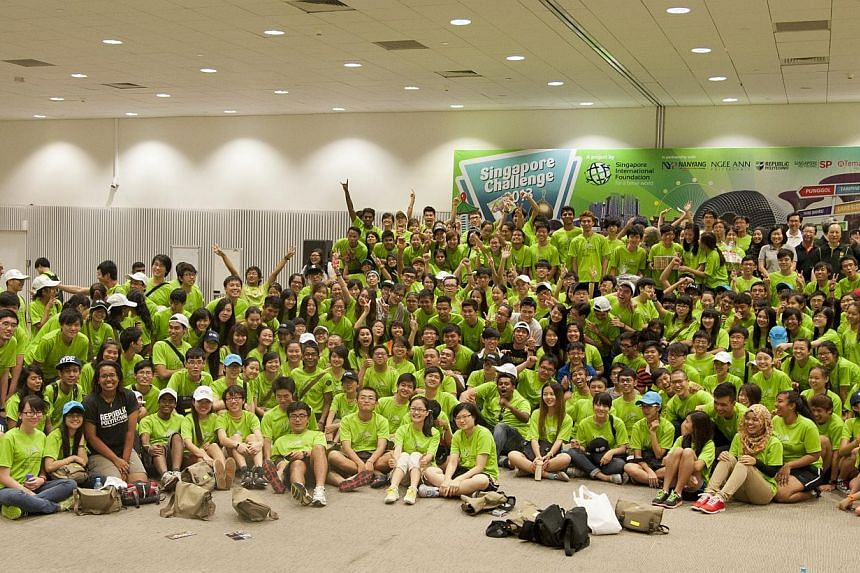 Close to 1,000 polytechnic students spent Saturday packing food hampers for needy families in Marsiling, in an annual race organised by the Singapore International Foundation. -- PHOTO: SINGAPORE INTERNATIONAL FOUNDATION