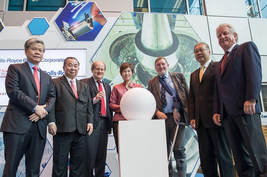 (From left) NTU Chief of Staff Prof Lam Khin Yong; NTU Provost Prof Freddy Boey; NTU President Prof Bertil Andersson; Mrs Josephine Teo, Minister of State at the Ministry of Finance and the Ministry of Transport; Rolls-Royce Director of Research and