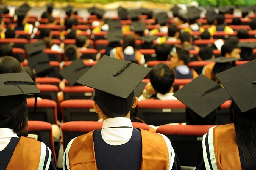 Almost seven in 10 Nanyang Technological University (NTU) graduates secured jobs ahead of graduation this year, according to a university survey carried out at the end of June.-- ST FILE PHOTO: BRYAN VAN DER BEEK