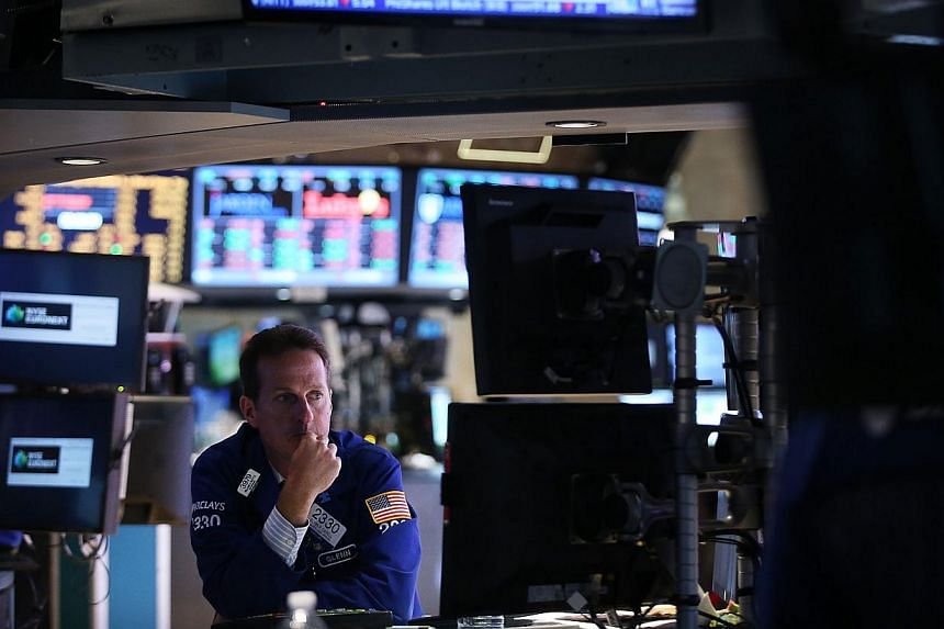 A trader works on the floor of the New York Stock Exchange during afternoon trading on June 19, 2013 in New York City. United States (US) stocks fell on Monday, pulling back before this week's Federal Reserve meeting that could signal when the Fed is