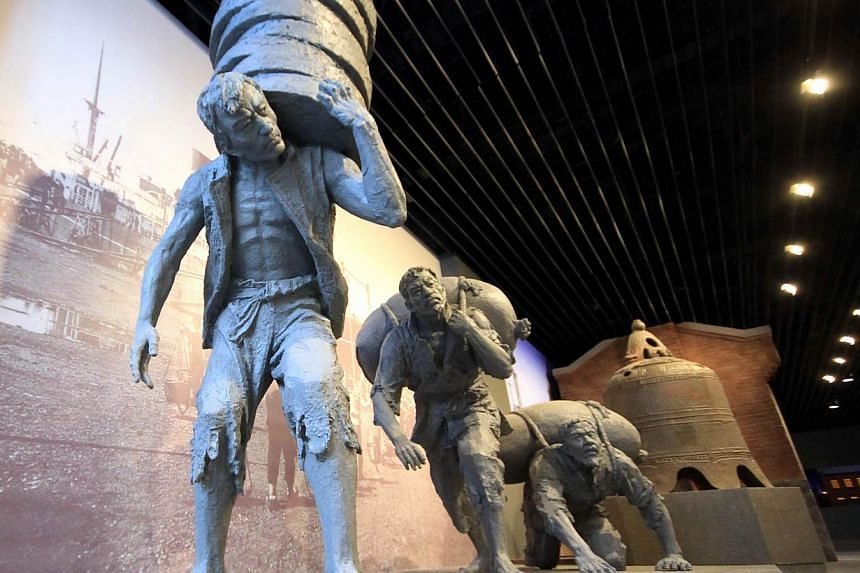 This picture taken on Feb 21, 2013 shows a statue on display in Dalian modern museum in Dalian, north-east China's Liaoning province. The Dalian Modern Museum once boasted exhibits on the achievements that brought renown to the city and its former ma
