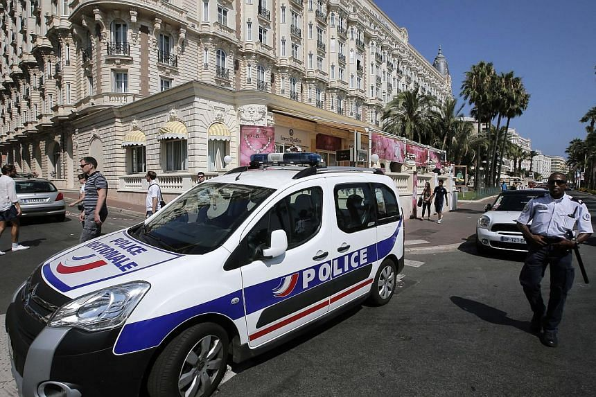 Insurers Lloyd's of London offered up to S$1.69 million for information leading to the recovery of jewels stolen from a Cannes hotel last month. -- FILE PHOTO: AP