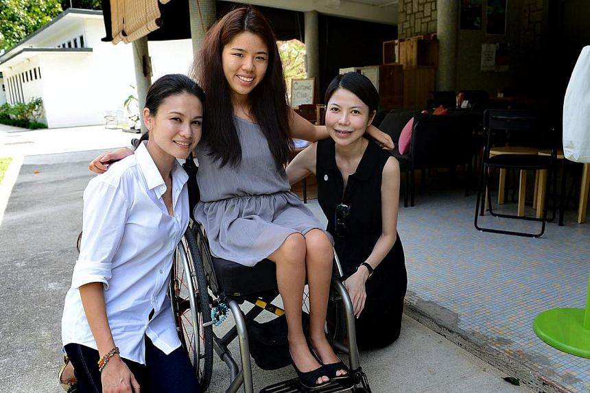(From left) Ms Eunice Olsen poses with Ms Yip Pin Xiu, aparalympian swimmer, and Ms Lena Sim, the CEO of Ministry of Food, who were featured in WomenTalk, a website that shows videos of inspiring women. -- ST PHOTO: JOYCE FANG