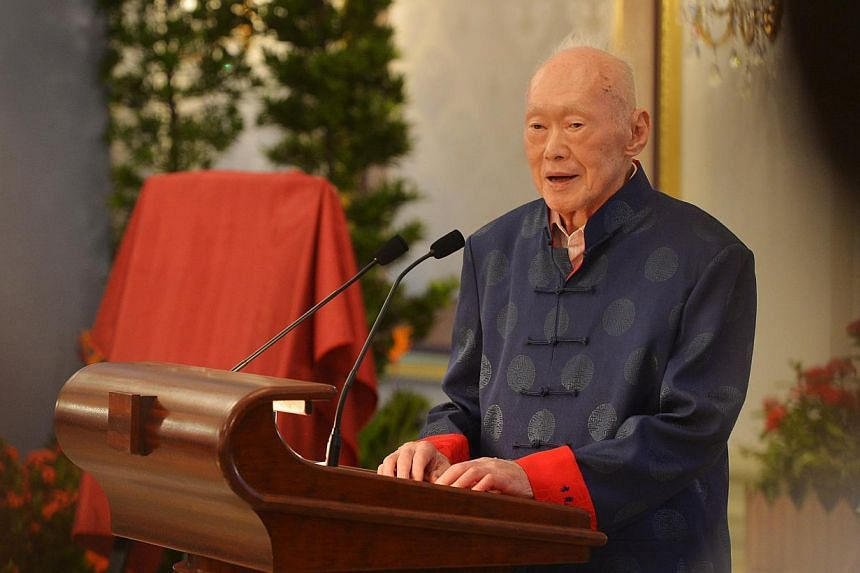 2-minute speech. He drew laughter from the audience when he said he did not want to ruffle too many feathers with his new book, One Man's View Of The World.