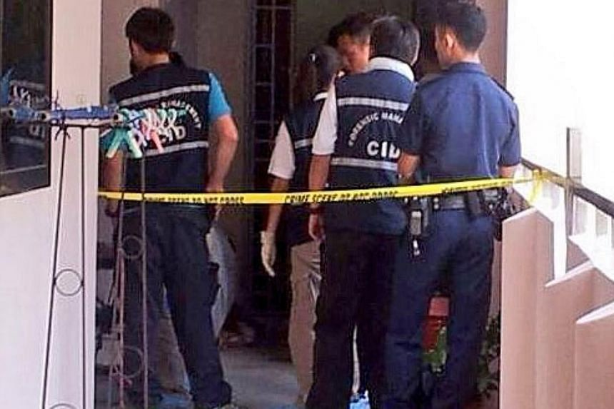 Police are investigating the death of a woman at a Choa Chu Kang Avenue 2 flat on Thursday, Aug 8, 2013. -- PHOTO: RACHEL AUYONG