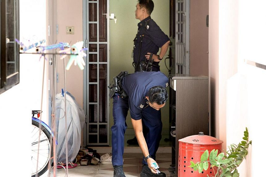 A 41-year old woman was found dead in a flat at Choa Chu Kang Avenue 2, block 296A. She was believed to have been murdered by her 58-year old husband around 4am on Aug 8. The 58-year-old husband has been arrested. Both are Chinese nationals. -- ST PH