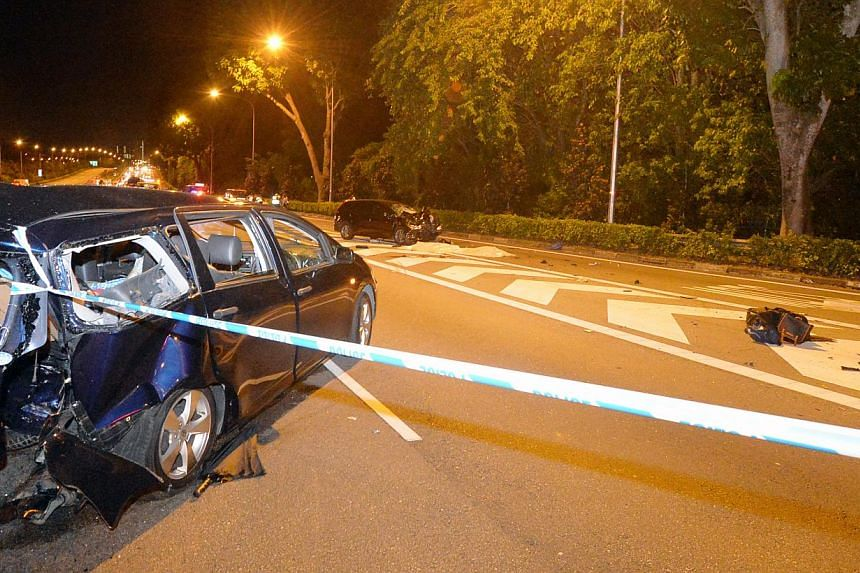 Four passengers in the same car were killed in an accident on the Central Expressway in the wee hours of Friday morning. The accident took place on the road towards the Seletar Expressway, before the Yio Chu Kang exit.-- PHOTO: SHIN MIN
