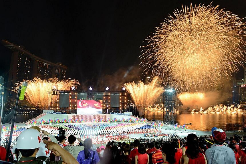 Fireworks marking the end of the 48th National Day Parade on Friday, Aug 9, 2013.--ST PHOTO:JOYCE FANG