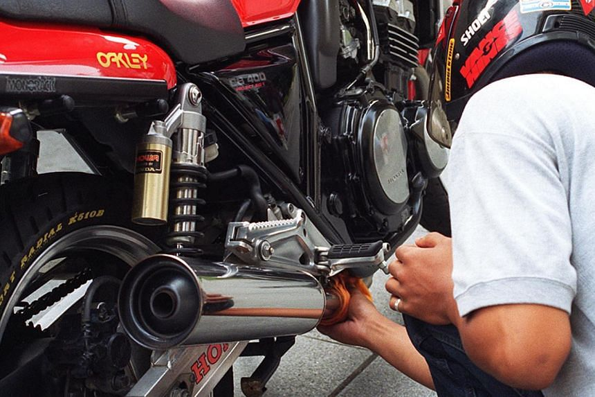Motorcyclists who modified their bikes withillegal exhaust will have to change it backto the original one as the Land TransportAuthority has tightened its rules. -- BERITA HARIAN PHOTO: M. O. SALLEH