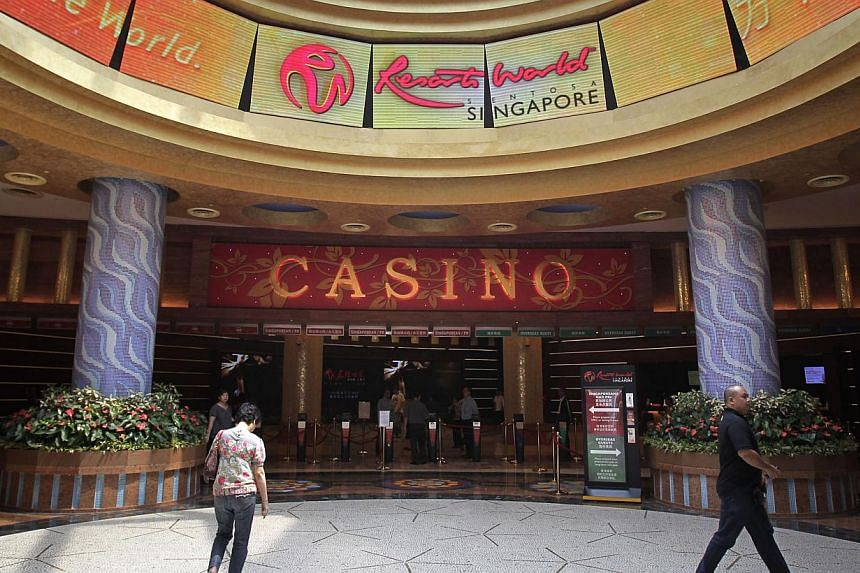 The Government intends to require all public officers who visit casinos frequently or who purchase the annual casino entry pass to declare these actions, Deputy Prime Minister Teo Chee Hean said in Parliament on Monday. -- ST FILE PHOTO: KE