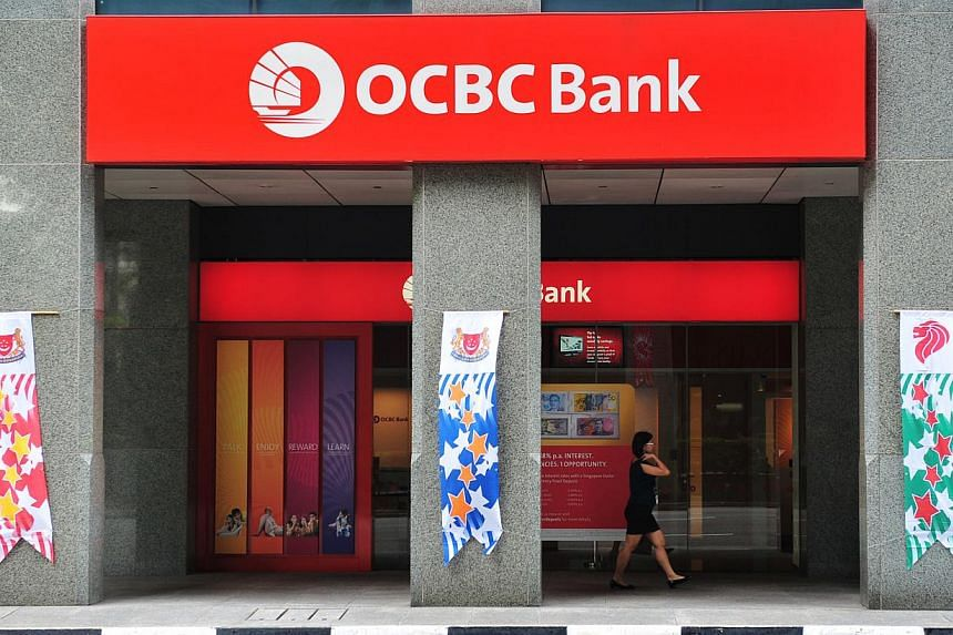 The OCBC bank at Shenton Way on 1 Aug 2011. OCBC Bank has priced its A$350 million (S$404 million), three-year senior floating rate notes under its US$10 billion global medium term note programme. -- ST FILE PHOTO: ALPHONSUS CHERN
