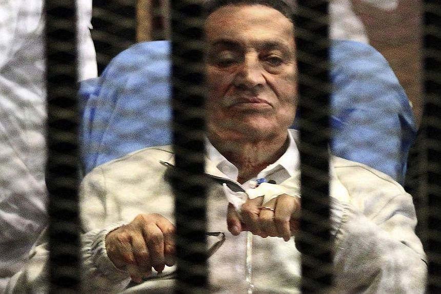 Hosni Mubarak, the former Egyptian president overthrown in an uprising in 2011, will be released from jail in the next 48 hours after a prosecutor cleared him in a corruption case, his lawyer Fareed El-Deeb told Reuters on Monday. -- FILE PHOTO: REUT