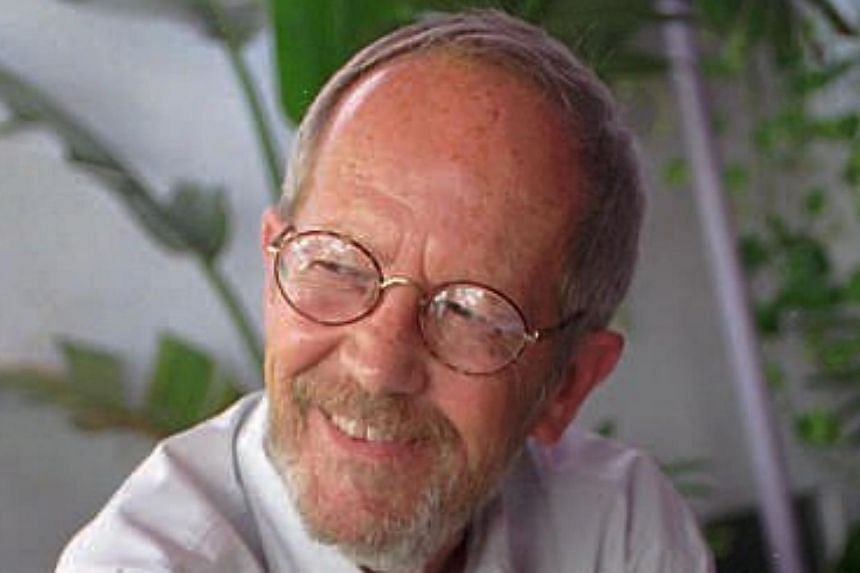 Author Elmore Leonard on the set of his latest book-turned movie, Pronto, in Miami Beach, Florida on June 18, 1996. Leonarddied on Tuesday, Aug 20, 2013, having suffered a stroke last month, the writer's website said.-- FILE PHOTO: AP