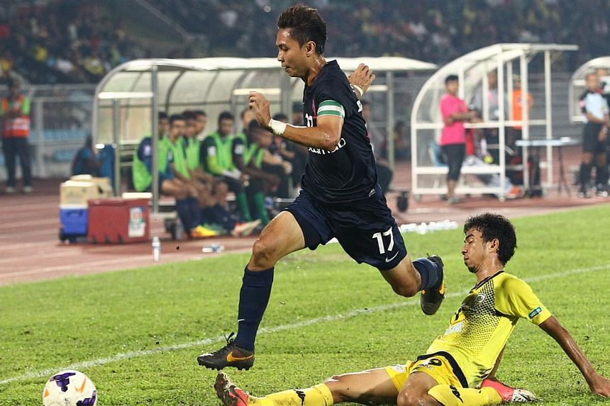 The LionsXII may be Malaysian Super League champions but their Malaysia Cup hopes are fading fast. After a 0-1 defeat by Perak in Ipoh on Tuesday, Aug 27, 2013, they are at rock bottom of Group D, with just one point from their opening three fixtures