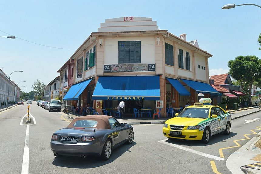 Near the crossroads of Joo Chiat Place and Everitt Road are popular eateries like Fei Fei Wan Tan Mee King, open for 24 hours, and Smokey's, an American steakhouse.
