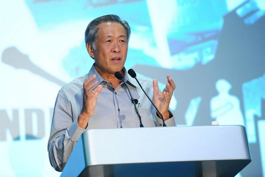 Minister for Defence Ng Eng Hen gives his speech at Mindef Pride Day 2013 Award Presentation Ceremony. -- PHOTO: MINDEF