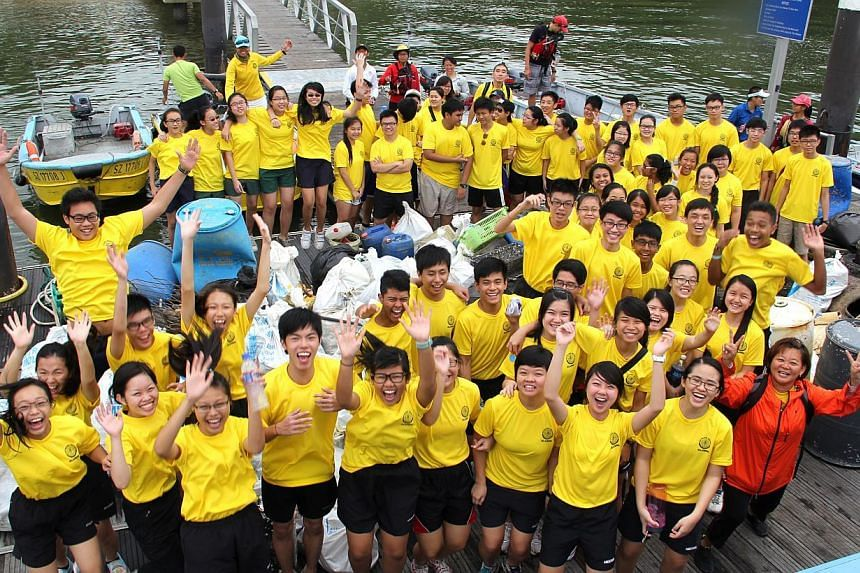 More than a ton of trash was cleared from the beaches of Pulau Ubin by 72 volunteers during a coastal clean-up operation organised by Outward Bound Singapore (OBS) Alumni on Saturday, Sept 7, 2013.-- PHOTO: OUTWARD BOUND SINGAPORE