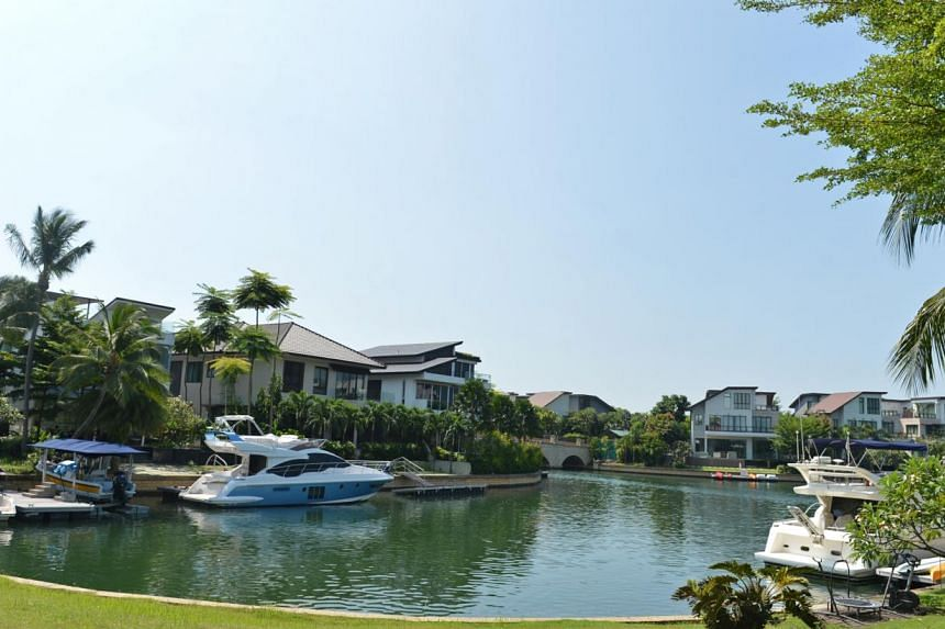 Homes at Sentosa Cove. The number of ultra wealthy people in Singapore grew slightly last year, as did the amount of wealth they collectively own, thanks mainly to rising real estate prices. -- ST FILE PHOTO: CAROLINE CHIA