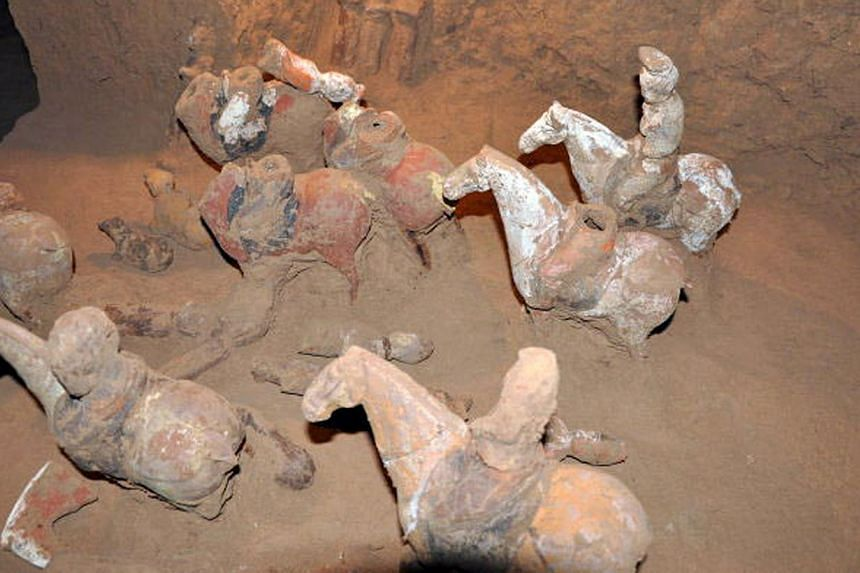 This undated picture released by the Shaanxi provincial cultural relics bureau shows sculptures inside the newly discovered tomb of Shangguan Wan'er, a 7th-century female politician who was one of the most powerful women in ancient Chinese history, n