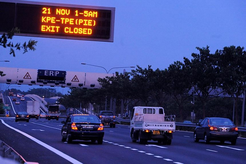 From Sept 16, the Land Transport Authority will start replacing 380 electronic signboards on the expressways that provide motorists with real-time information on traffic conditions. In addition, the LTA will also install 70 new signboards along