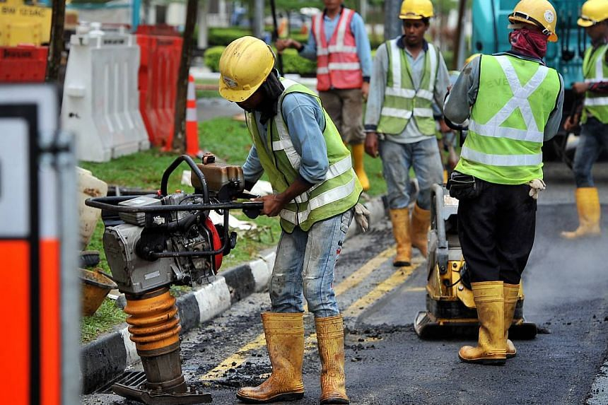 Growth of foreign workers slowed to 27,000 in the first half of this year, down 34,100 in the same period last year. This is also the lowest growth since the first half of 2010, the Ministry of Manpower (MOM) said on Friday. The figure does not inclu