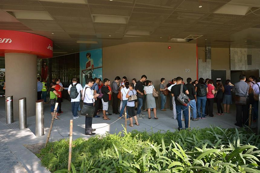 The JEM mall was closed to the public on Thursday following the collapse of part of the ceiling on the first floor. -- ST PHOTO: KUA CHEE SIONG