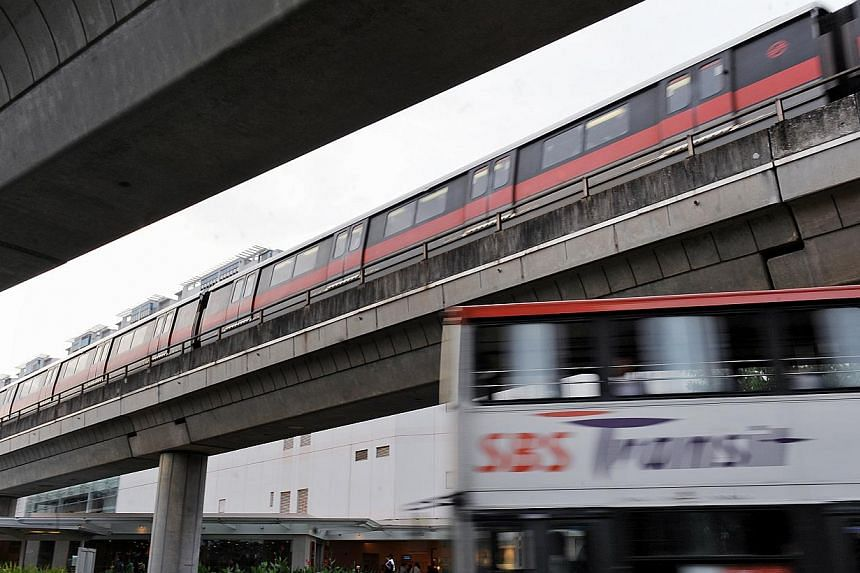 SMRT and SBS will extend its train and bus feeder service on Monday, the eve of Hari Raya Haji. -- ST FILE PHOTO: STEPHANIE YEOW