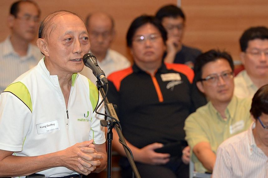 Retiree Geoffrey Kung, 68, at The Straits Times'11th annual gathering for its Forum letter writers at the News Centre auditorium in Toa Payoh on Friday, Oct 11, 2013.-- ST PHOTO: DESMOND WEE
