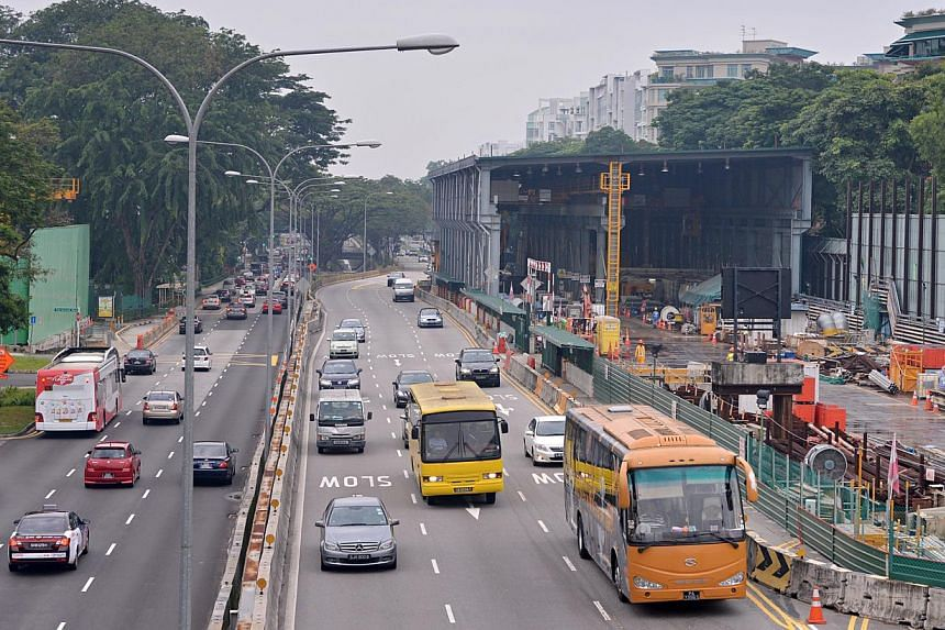 Construction work for the Downtown Line's King Albert Park MRT station. Bukit Timah residents face the worst drive to and from work in the city centre, a survey has found. -- ST FILE PHOTO: NURIA LING